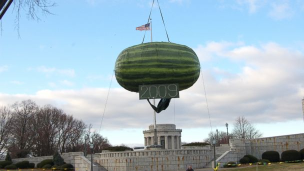 PHOTO: Vincennes, Ind. holds a Watermelon Drop celebration on New Years Eve.