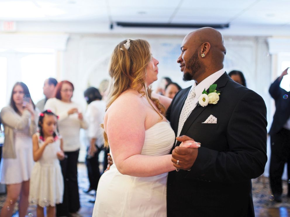 PHOTO: Abigail Lydick and her husband Andrew Lydick planned a free wedding for Erica Meyers and Darrell Meyers in less than two days after hearing that Ericas mother Alicia Reyes, who has cancer, had been told she didnt have much longer to live.