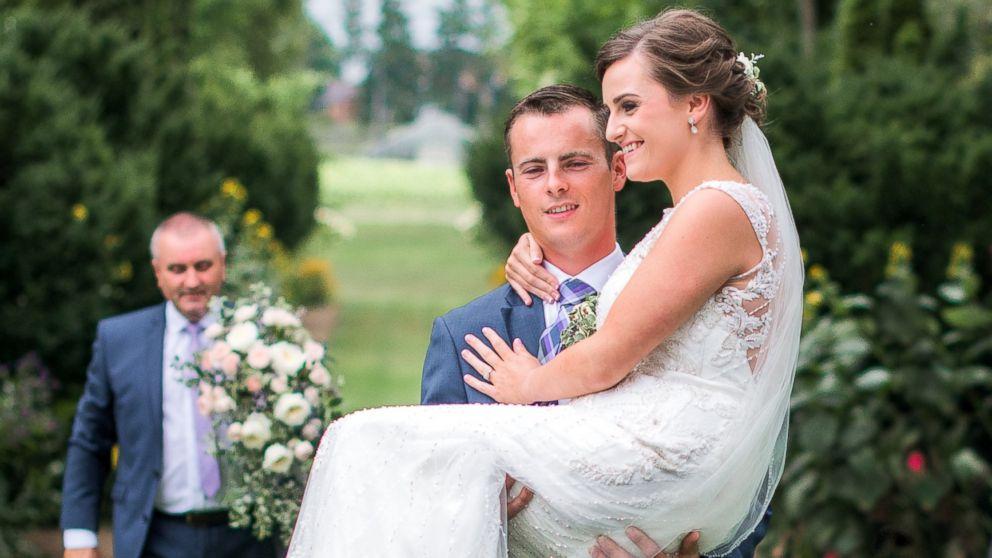 Resultado de imagem para married with desabilities