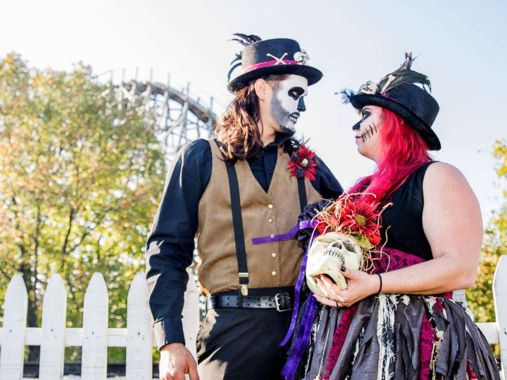 PHOTO: Jannea and Alfie Borero of Springfield, Illinois, are a spooky couple that said this HalloWedding event was right up their alley.