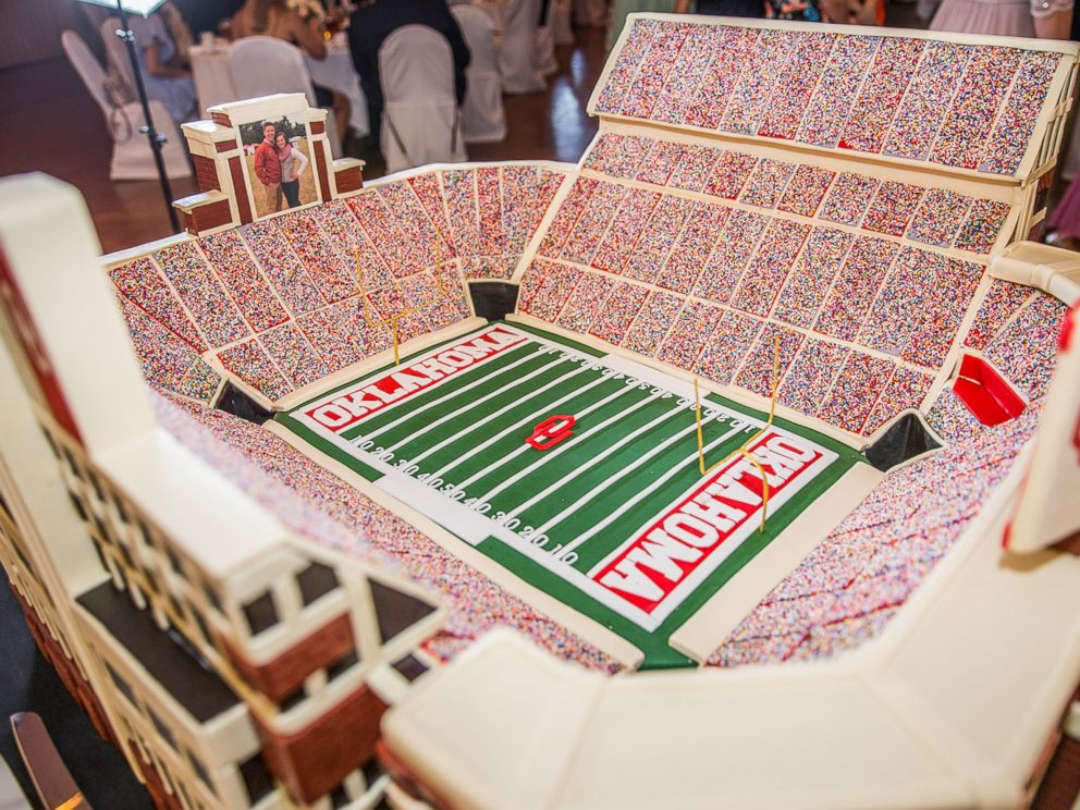 how to make a football stadium cake