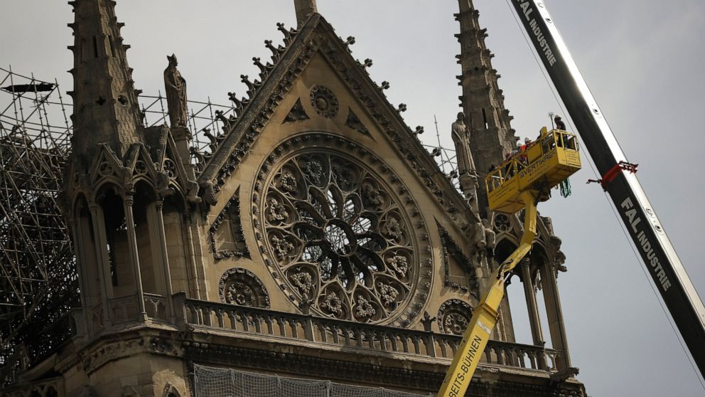 Protective tarps set to be installed over Notre Dame