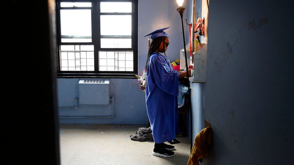 NYC elementary schools reopen in big back-to-school test thumbnail