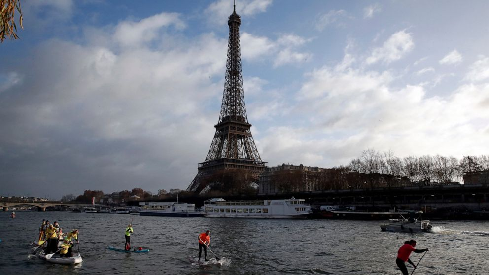 Eiffel Tower closed down after intruder tries to climb up thumbnail