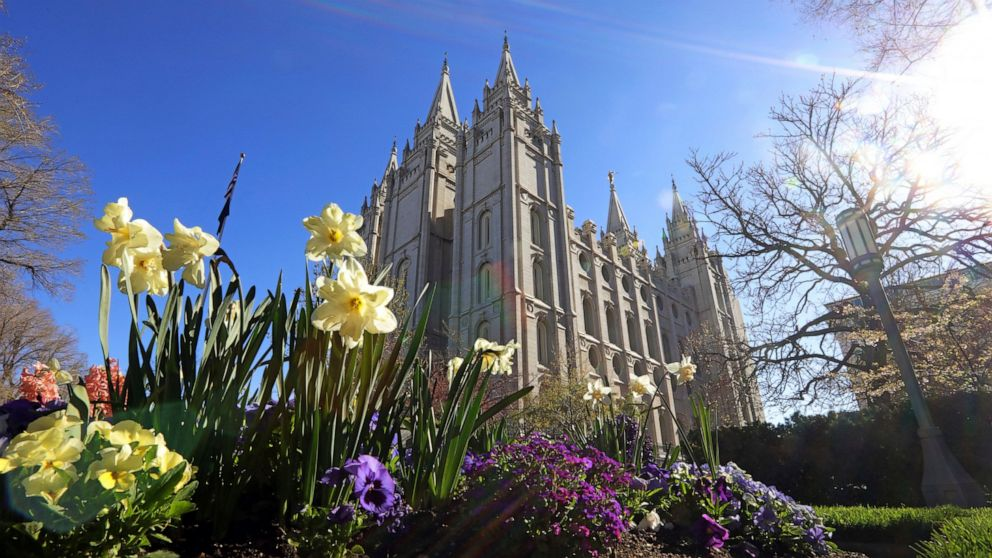 Iconic Salt Lake Temple closing for major 4-year renovation