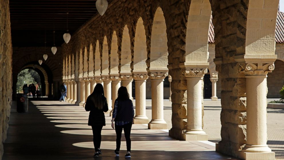 Why rich students get more financial aid than poor ones