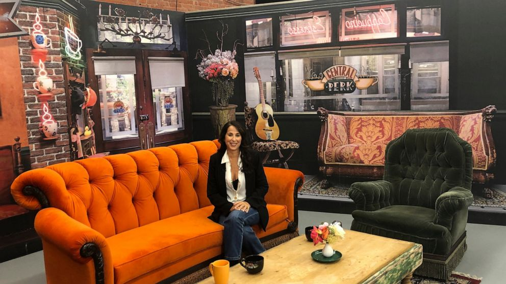 'Friends' pop-up lets sitcom's fans explore show's key props