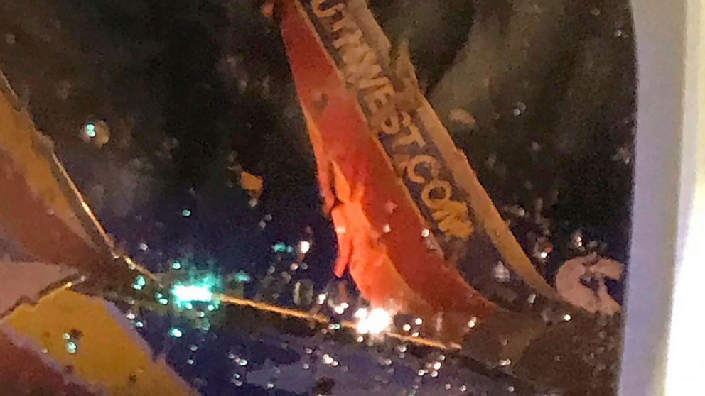 Southwest planes collide on Nashville airport tarmac thumbnail