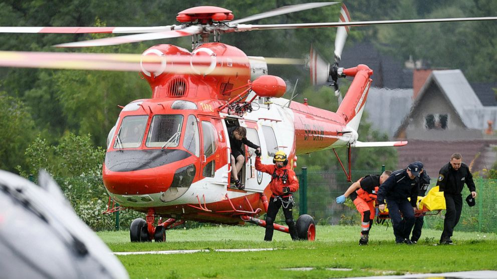 Lightning strikes kill 5, injure over 100 in Tatra Mountains