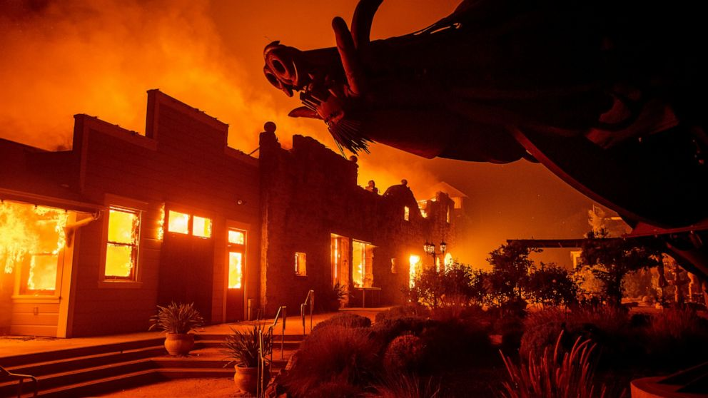 Image of article 'Wildfires again threaten business in California wine country'