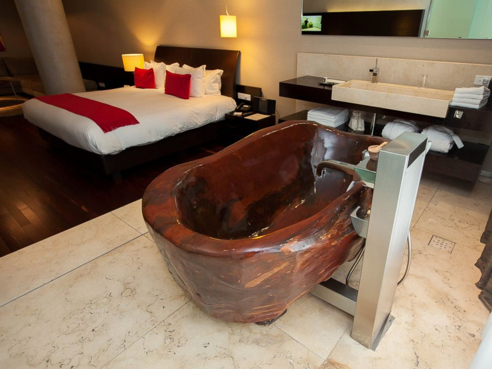 PHOTO: This luxury hotel can be enjoyed at a more affordable price.