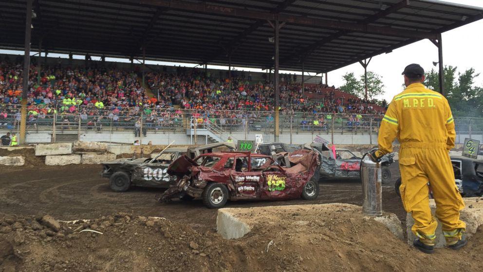 Car Manufacturers Derby Mail: Crash Queens: Demolition Derby Moms Smash Cars With The