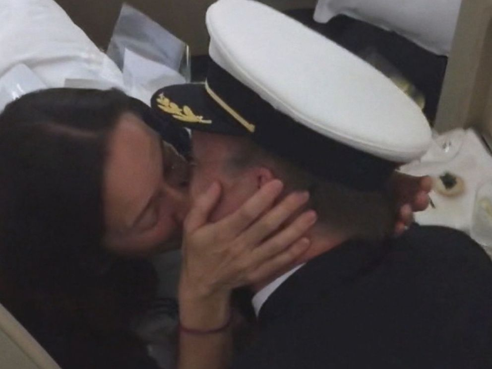 PHOTO: Dooley Ellis proposed to his girlfriend over the PA system on a flight from Melbourne to Los Angeles.