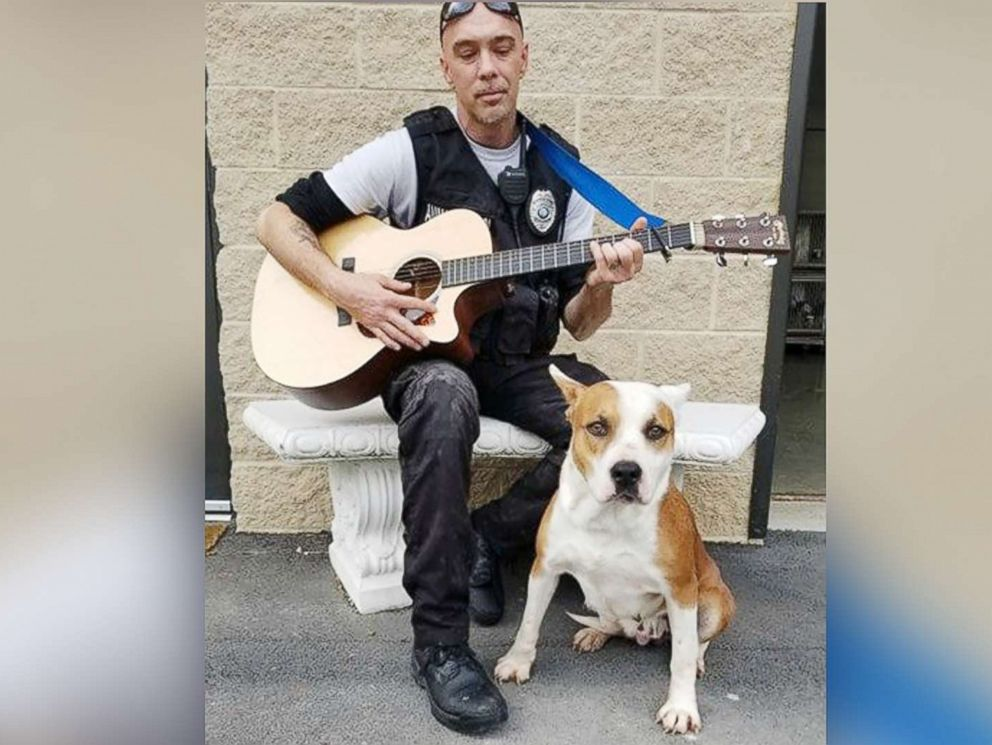 PHOTO: Chad Olds performed with his guitar and sang to the kennel of adoptable dogs at Friends of Vance County Animal Shelter in North Carolina on Feb. 13, 2018.