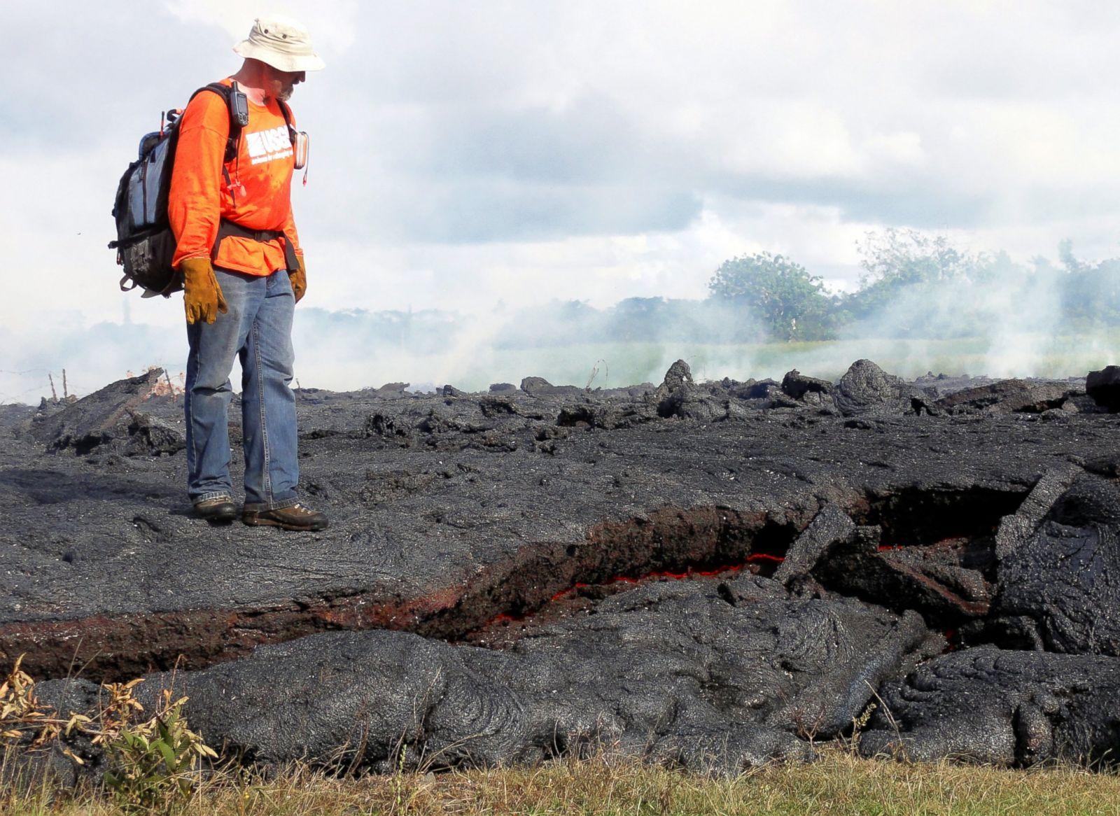 Hawaii Town Braces For Lava From Kilauea Volcano Photos Image 12