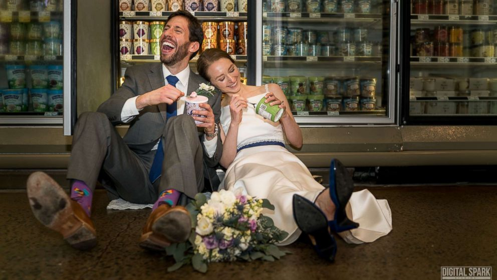 Food Loving Says Whole Foods Wedding Was The Total Snackage Abc News