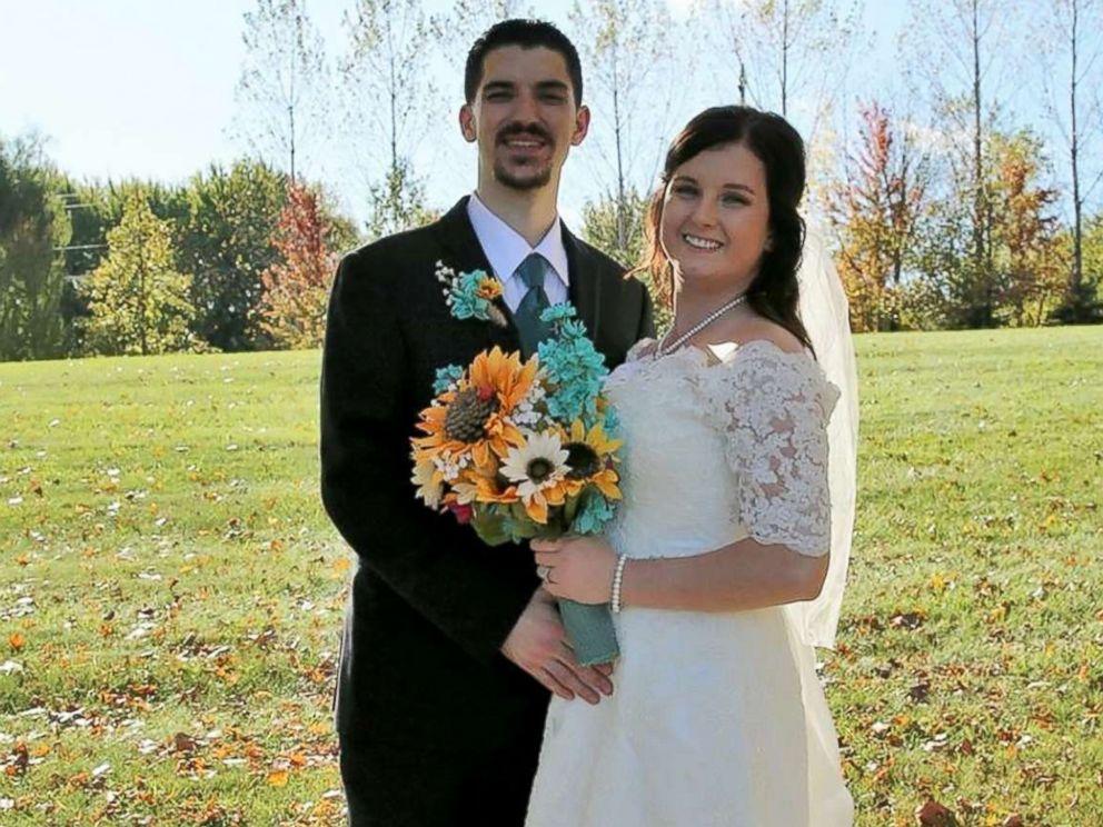 PHOTO: Jennifer Jensen, 24, and Bill Jensen, 27, pose at their Oct. 7, 2017, wedding in Minnesota.