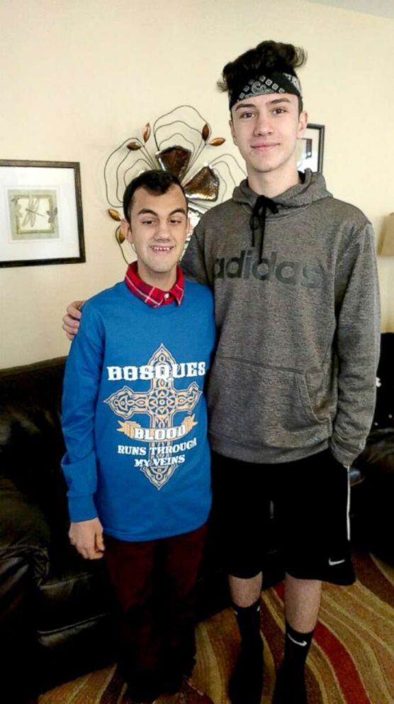 PHOTO: Anthony Dones, 15, met Sam Bosques, 16, for the first time on Jan. 13, 2018. Bosques cord blood saved Dones life when he was a baby.