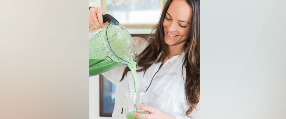 "PHOTO: Nutritionist-to-the stars Kelly LeVeque shares her green smoothie recipe from her book, ""Body Love,"" to fuel your morning."