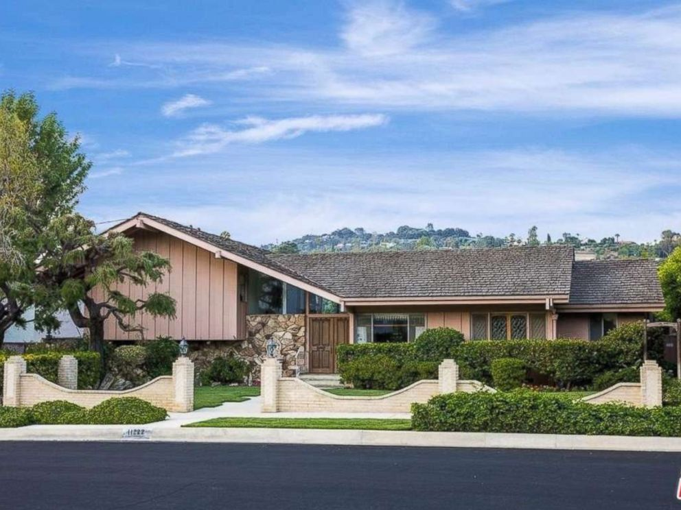 PHOTO: The groovy home of The Brady Bunch television show is for sale in California for $1,885,000.