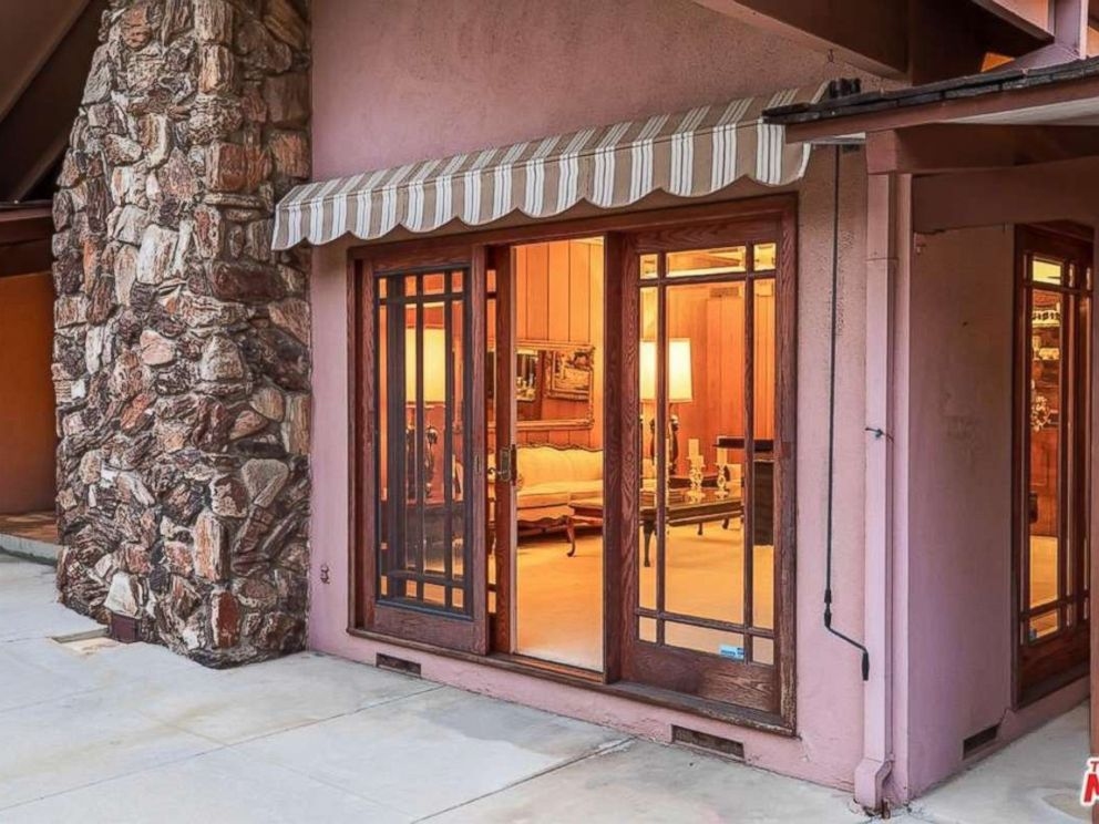 PHOTO: The single family home from The Brady Bunch show is for sale in California for $1,885,000.