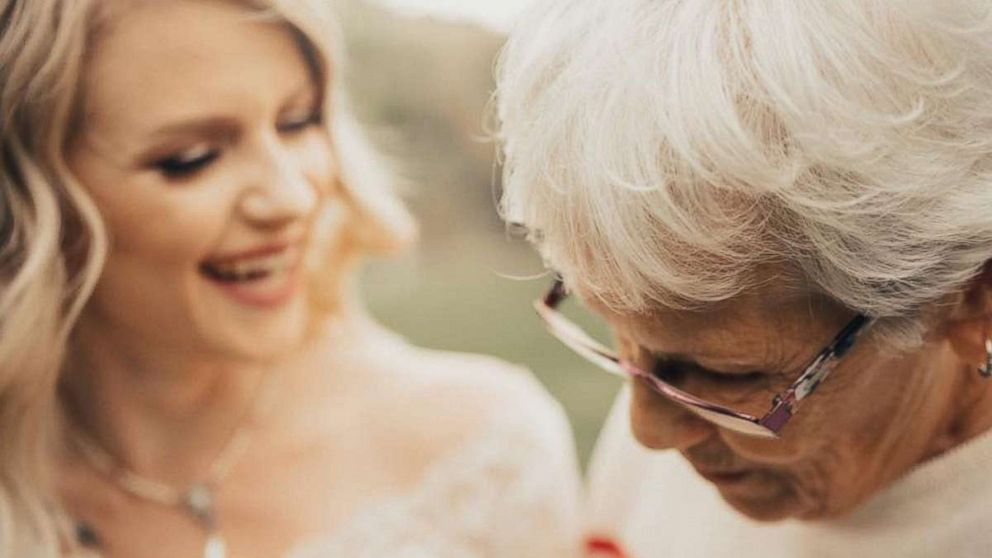 Bride S First Look Photos With Grandma Will Melt Your Heart Abc News