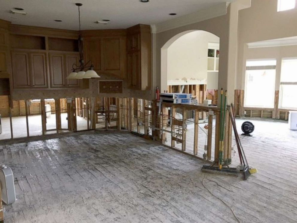 PHOTO: The first floor of Rachel Nicholsons home in Kingwood, Texas, was flooded during Hurricane Harvey.