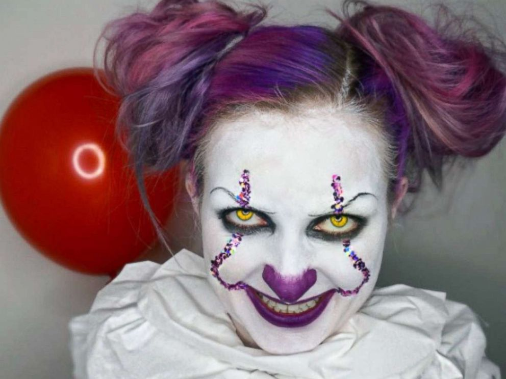Halloween Clown.Pennywise Clown Costumes Poised To Be Top Halloween Costume