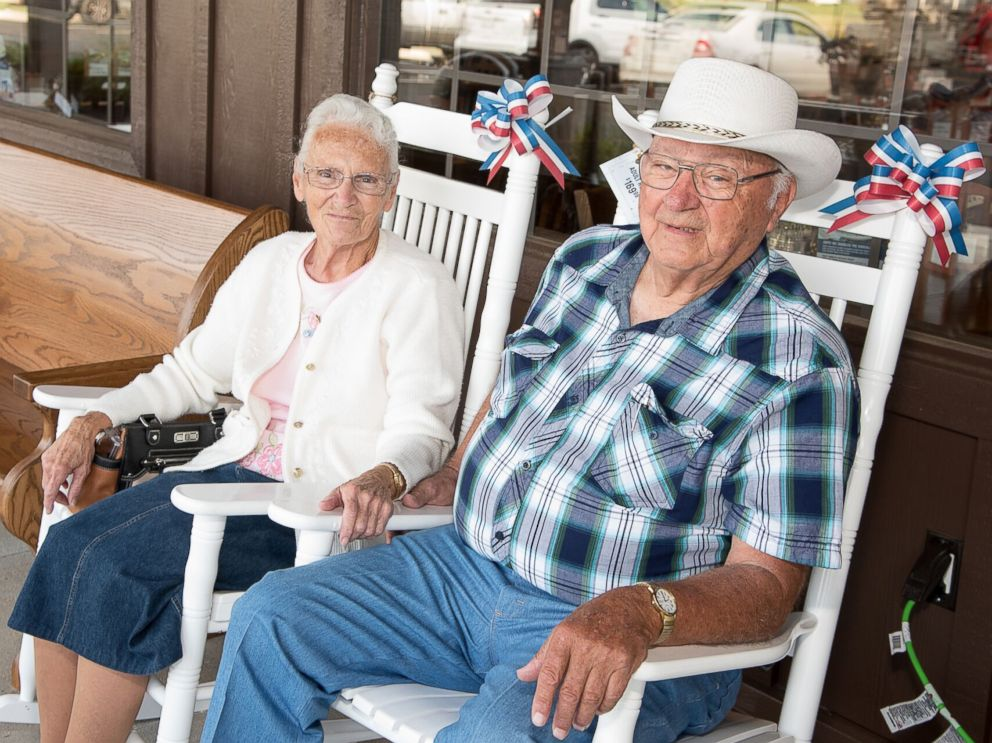 PHOTO: Ray and Wilma Yoder, of Goshen, Indiana, have visited nearly every Cracker Barrel Old Country Store location across the U.S.