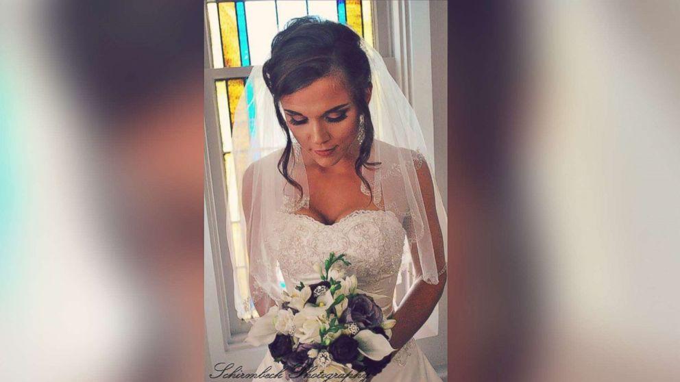 Sisterhood Of The Wedding Dress Bride Pays It Forward By Lending Her Wedding Dress To Strangers Abc News,Homecoming Wedding Dresses In Sri Lanka