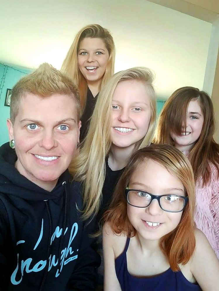 PHOTO: Eric Maison, 40, is pictured with four of his five children, Corey, 16, Kailee, 15, Ellen, 10, and Willow, 7.