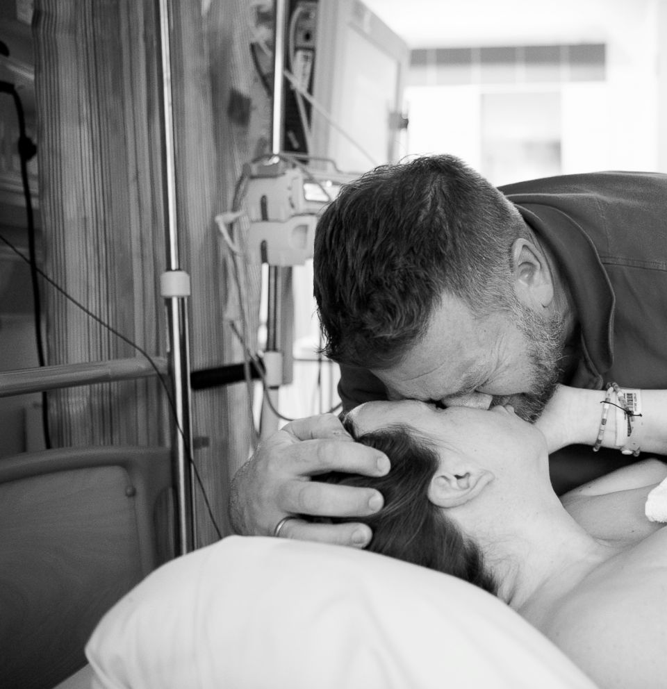 PHOTO: Eva Rose Photography captured the emotional images of a father while his wife gives birth.