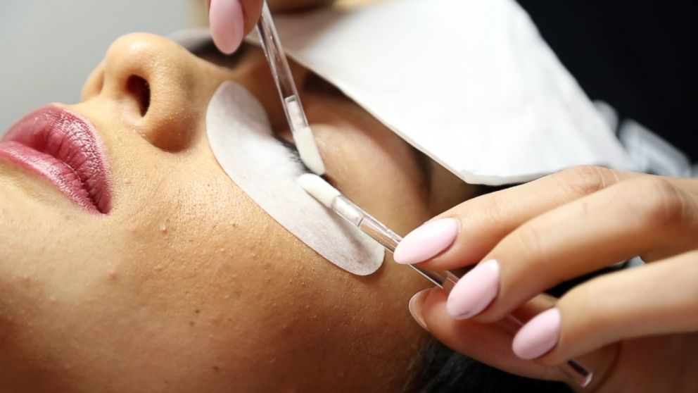 PHOTO: Blink Bar in Los Angeles specializes in eyelash extensions.