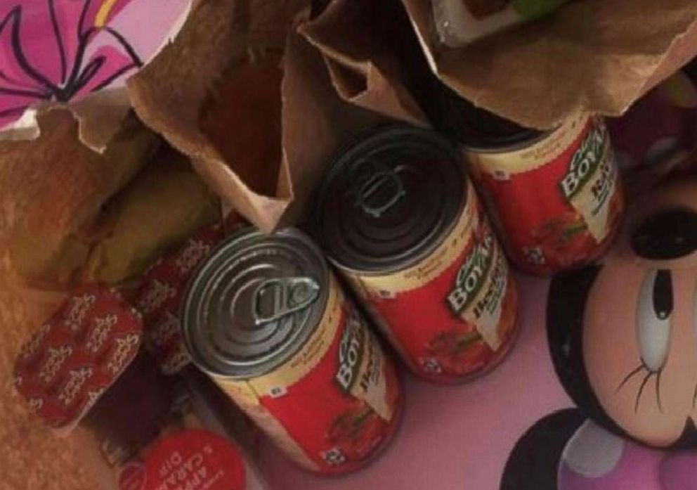 PHOTO: Free lunches were delivered to more than 200 students while schools were closed for cold weather in Lorain County, Ohio.