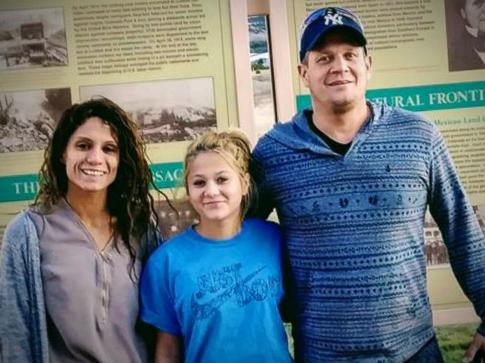 PHOTO: Tanya and Shane Green pose with their daughter, Gabbie Green in this undated file photo.