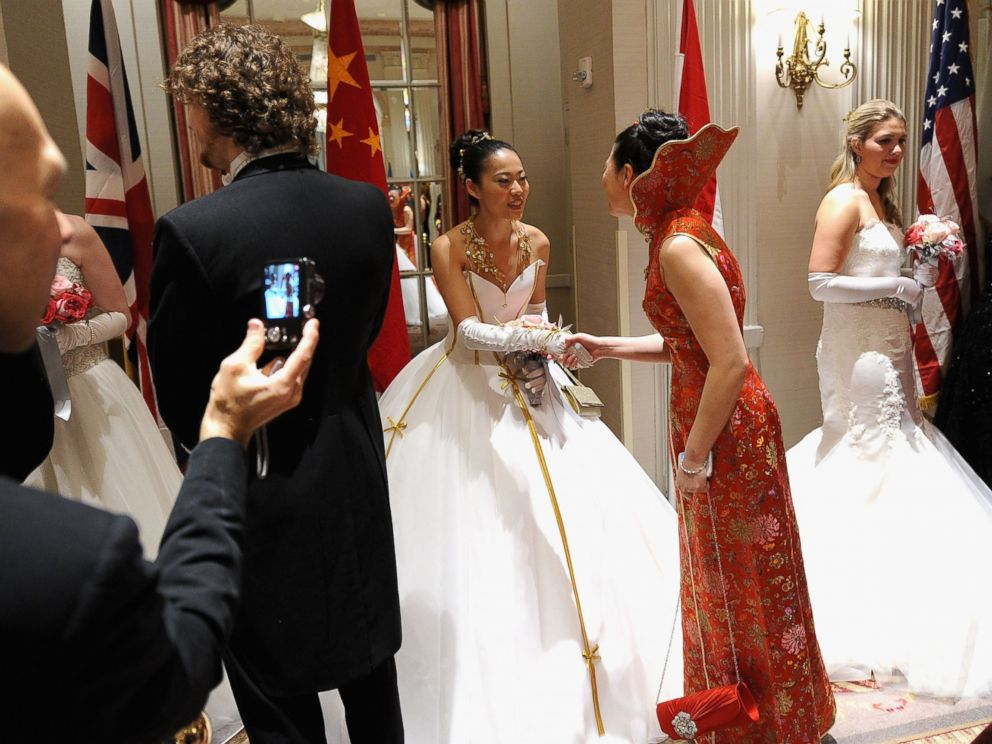 PHOTO: Debutantes and guests attend the 60th International Debutante Ball at The Waldorf Astoria on Dec. 29, 2014 in New York City.