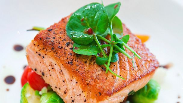 PHOTO: Salmon fillet on a plate.