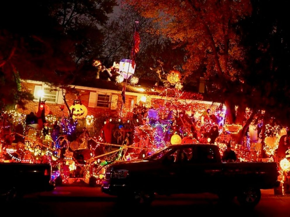 photo missouri dad chris donaubauer is the clark griswold of halloween decorations - Clark Griswold Christmas Decorations