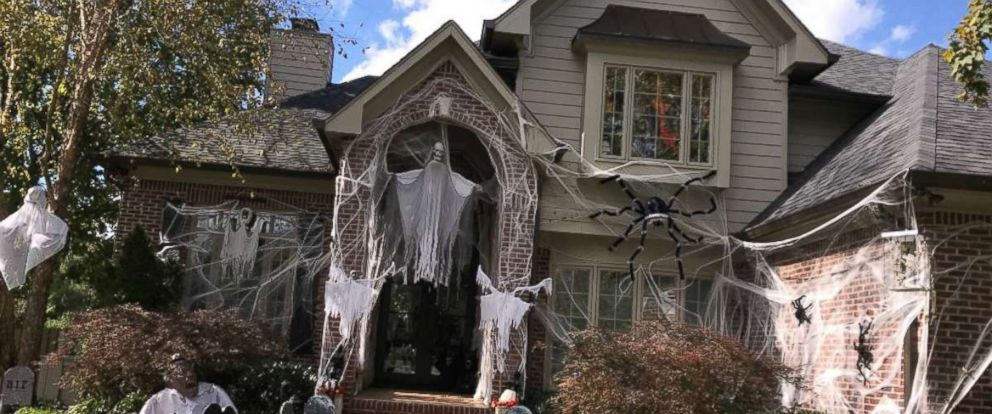 photo the willis family in knoxville tenn always go all out