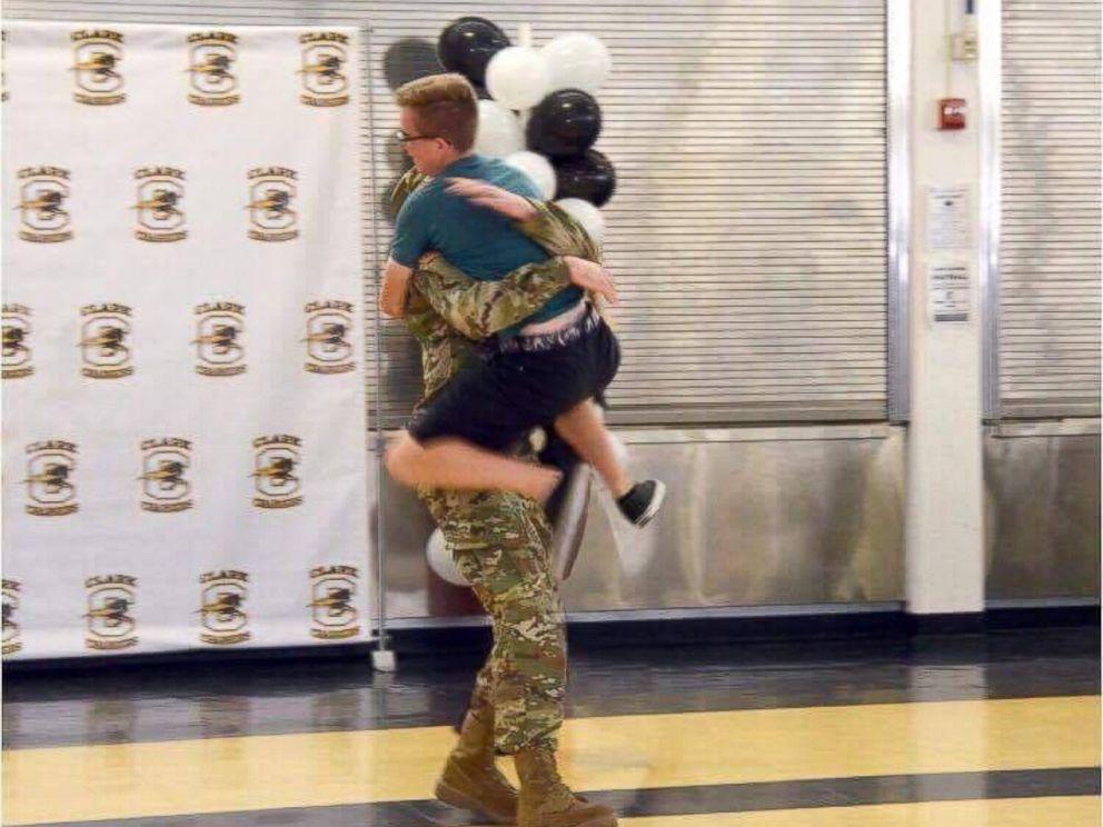 PHOTO: U.S. Army Specialist Bradley Hohn, 22, surprised his brother, Matthew Hohn, 18, at a rehearsal for Matthews high school graduation.