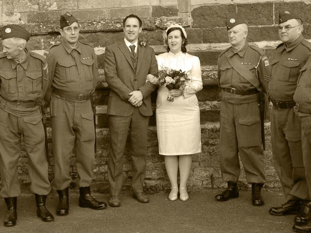 Photo Ria Chambers And Jonathan Jefferies Held A 1940s Themed Wedding On March 12