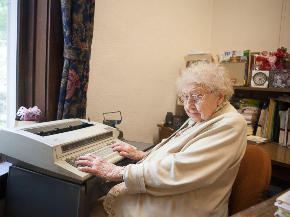 PHOTO: 99-Year-Old Woman Celebrates 80th Workiversary as School Secretary