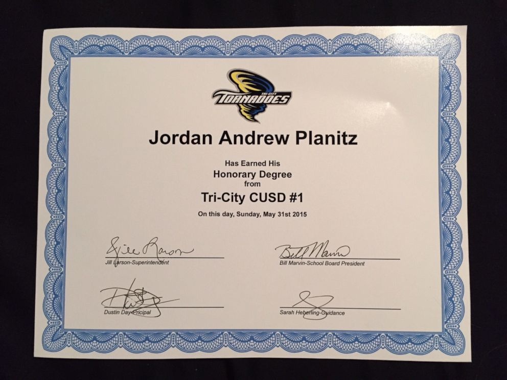 PHOTO: The honorary diploma given to Jordan Planitz, 6.