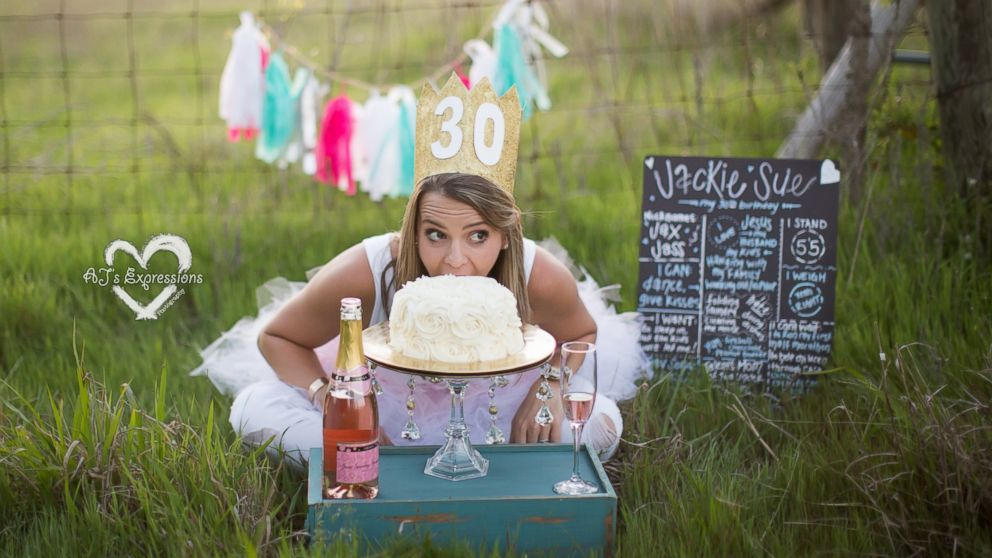 Photographer Amiee Berrys Adult Cake Smash Photo Sessions Are A Fun Twist On