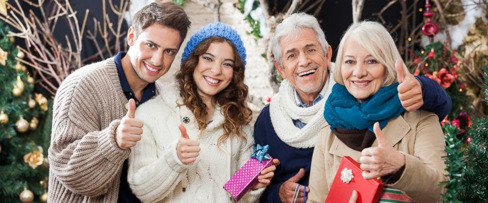 PHOTO: Expert tips on avoiding awkward holiday photos this Thanksgiving.