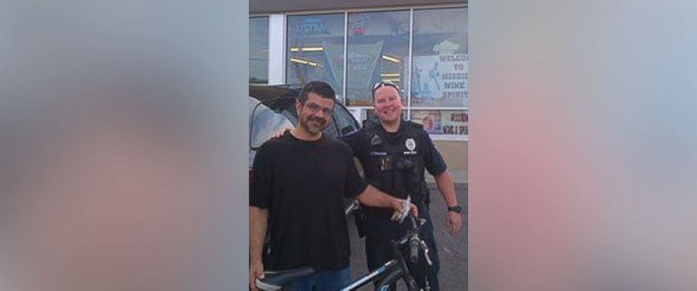PHOTO: A Roeland Park, Kansas, police officers good deed is going viral after he gave a homeless man a bike to commute to work.