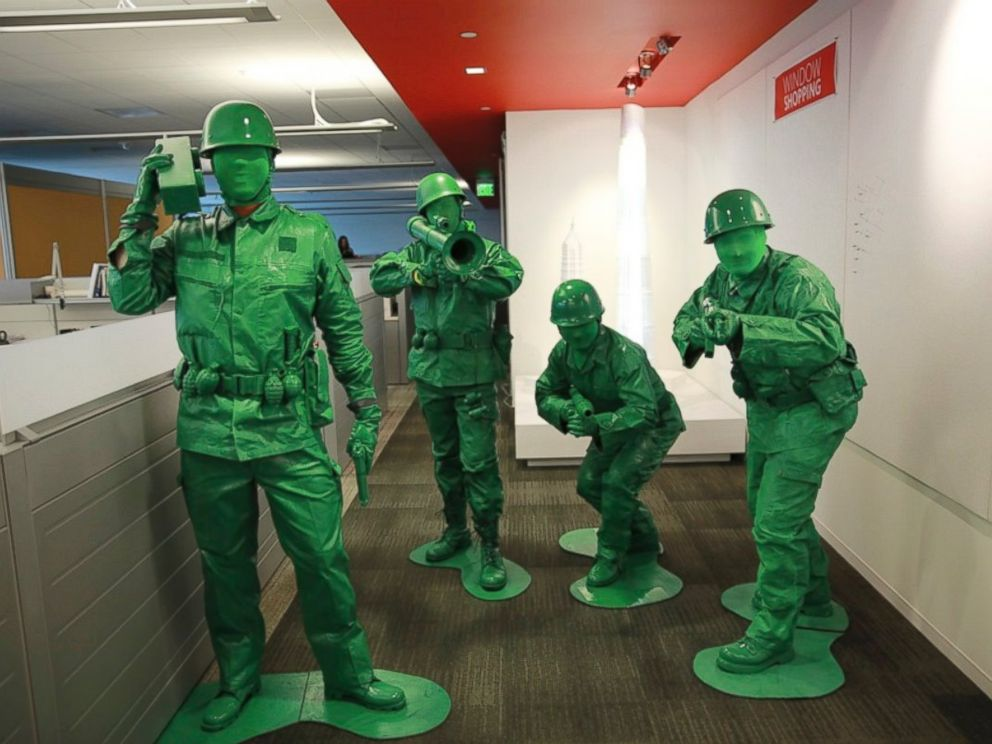 PHOTO: Army Men