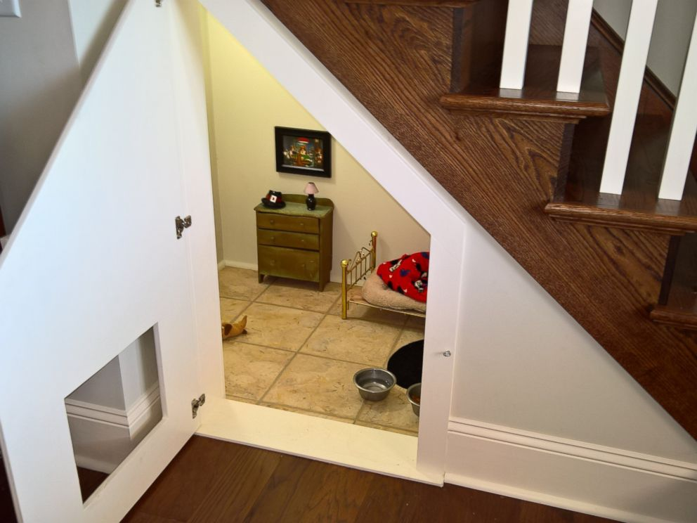 PHOTO: Chihuahua Has His Very Own Bedroom Under Woman's Stairs With Bed, Oil Painting