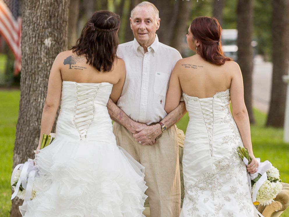 PHOTO: Twin sisters Sarah and Becca Duncan took wedding photos with their ailing dad Scott long before theyre set to walk down the aisle.