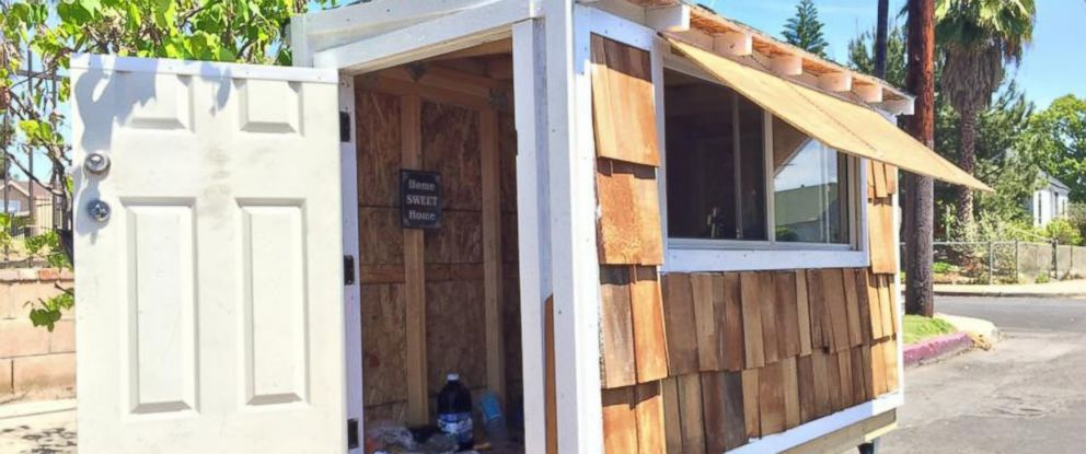 PHOTO: Elvis Summers built a small house for McGee less than one month ago.